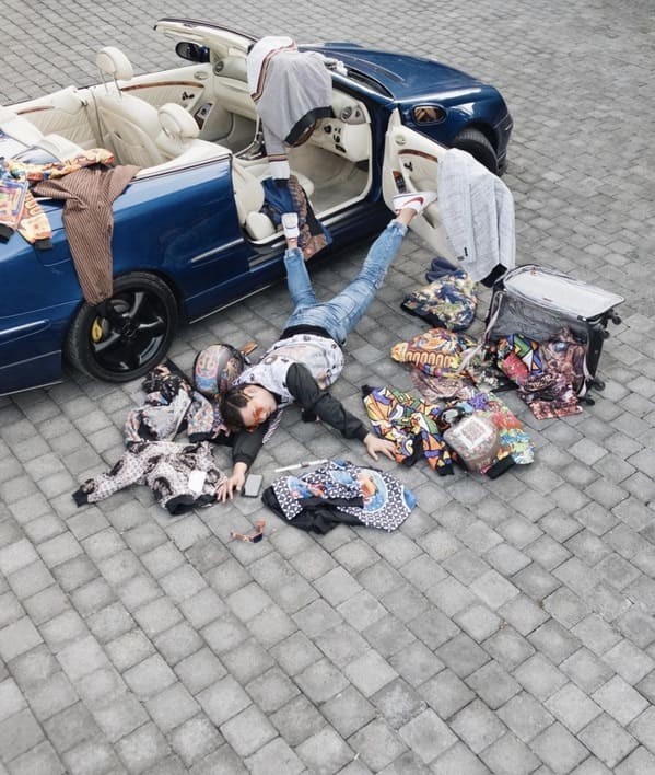 Flaunt your wealth challenge, falling stars challenge, funny photos of rich people, wealth, inequality, dumb rich people, showing off fancy cars and money, rich people bragging, flauntyourwealth