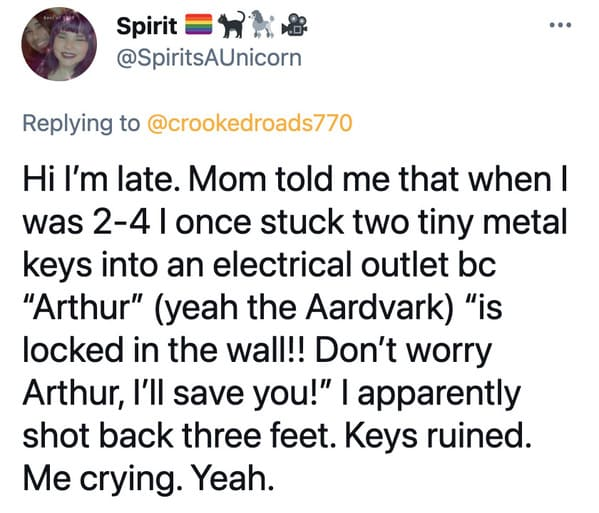Parents catch kids doing dangerous stunts, stories of parents catching their children doing something dangerous, funny tweets about parenting, scary dangerous kid stories, lol