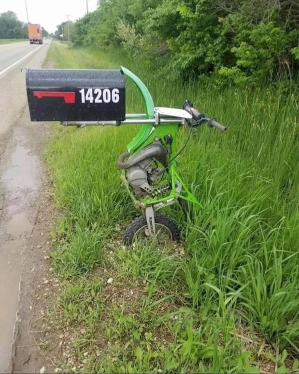 motorcycle turned into a mailbox, Funny DIY solutions, DIY fails, funny pictures of people trying to fix something and making it worse, lol, reddit, r redneckengineering, do it yourself, questionable DIY projects