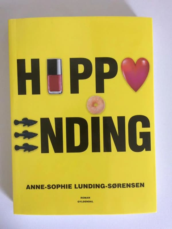 yellow book cover that should say happy ending but the letters look like Hippo, Funny Graphic Design Fails, Bad deign, reddit crappy design, lol, poor planning, weird visual errors someone should fix, dumb designs, photos